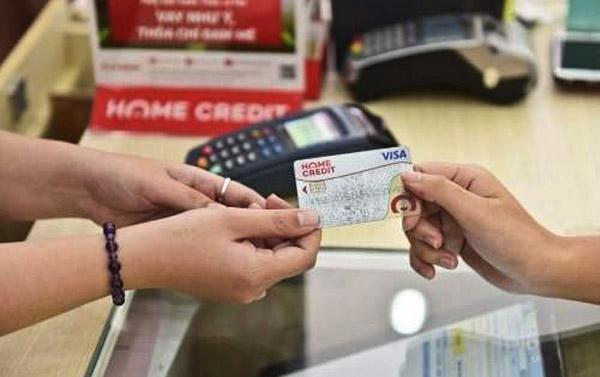 Nhiều lợi ích khi vay đáo hạn thẻ tín dụng Home Credit