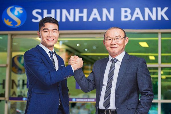 dao-han-ngan-hang-shinhan-bank-dieu-kien-thu-tuc-lai-suat-anh-dai-dien