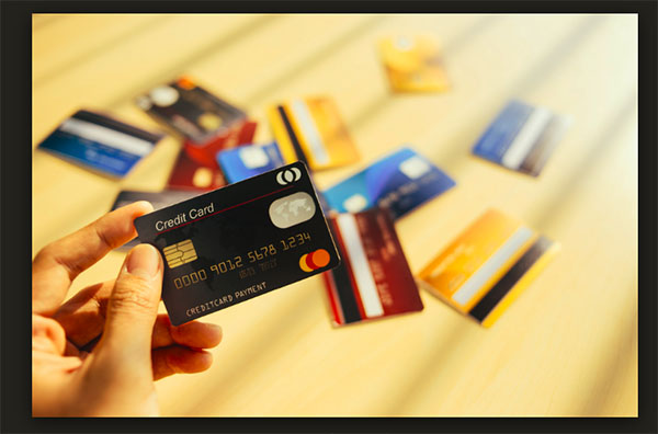 Đáo hạn thẻ tín dụng tại nhà