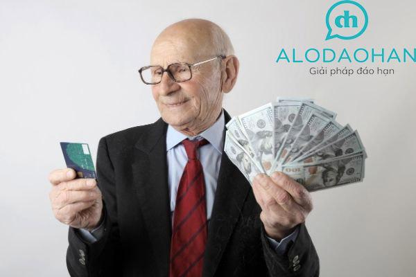 Thẻ tín dụng là gì và những công dụng hữu ích của thẻ tín dụng